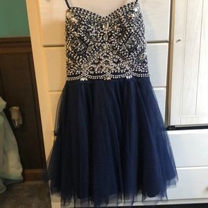 perfect condition  size 1/2 homecoming/ prom dress